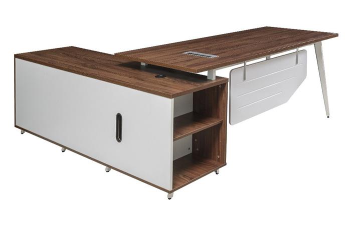 Thiết kế bàn giám đốc mang xu hướng hiện đại, trẻ trung LUXP180C10